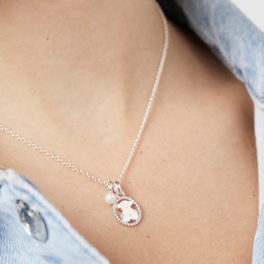 Silver Camee Necklace with Pearl
