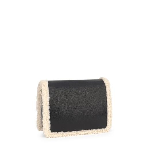 Bandolera mediana con borreguito color negro New Audree