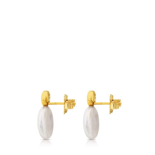 Alecia Earrings in Gold with Pearl.