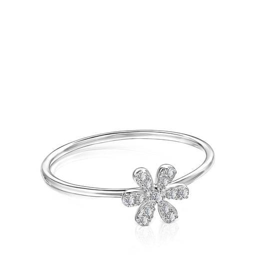 White Gold and Diamonds Blume Ring