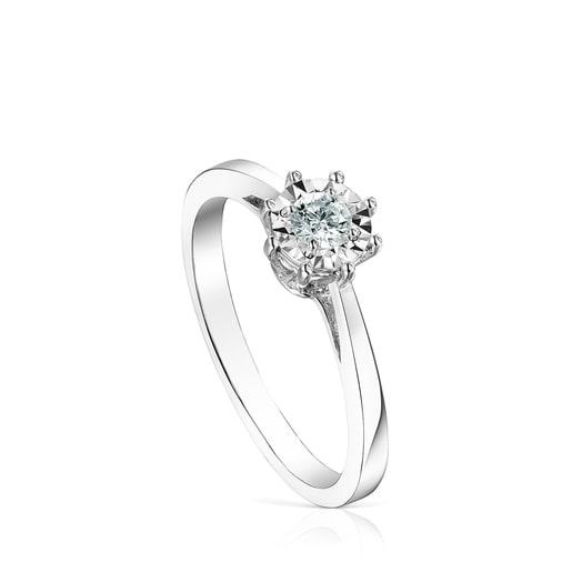 White gold Les Classiques Ring with medium Diamond rosette