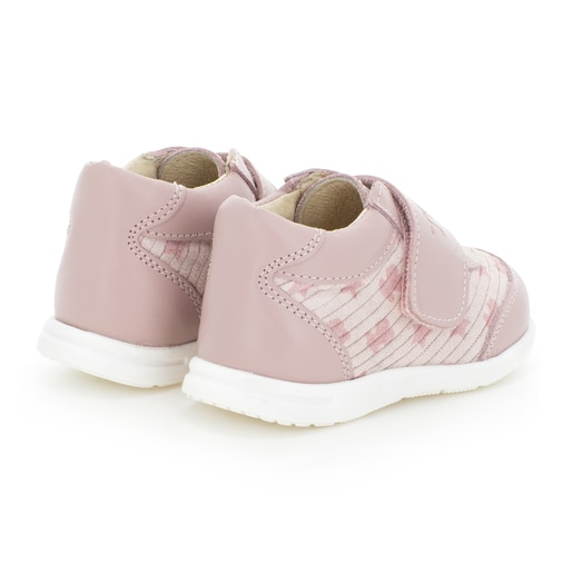 Walk shoes in Pink